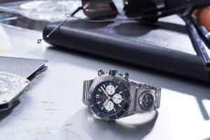 Khám phá đồng hồ Breitling Super Chronomat 44